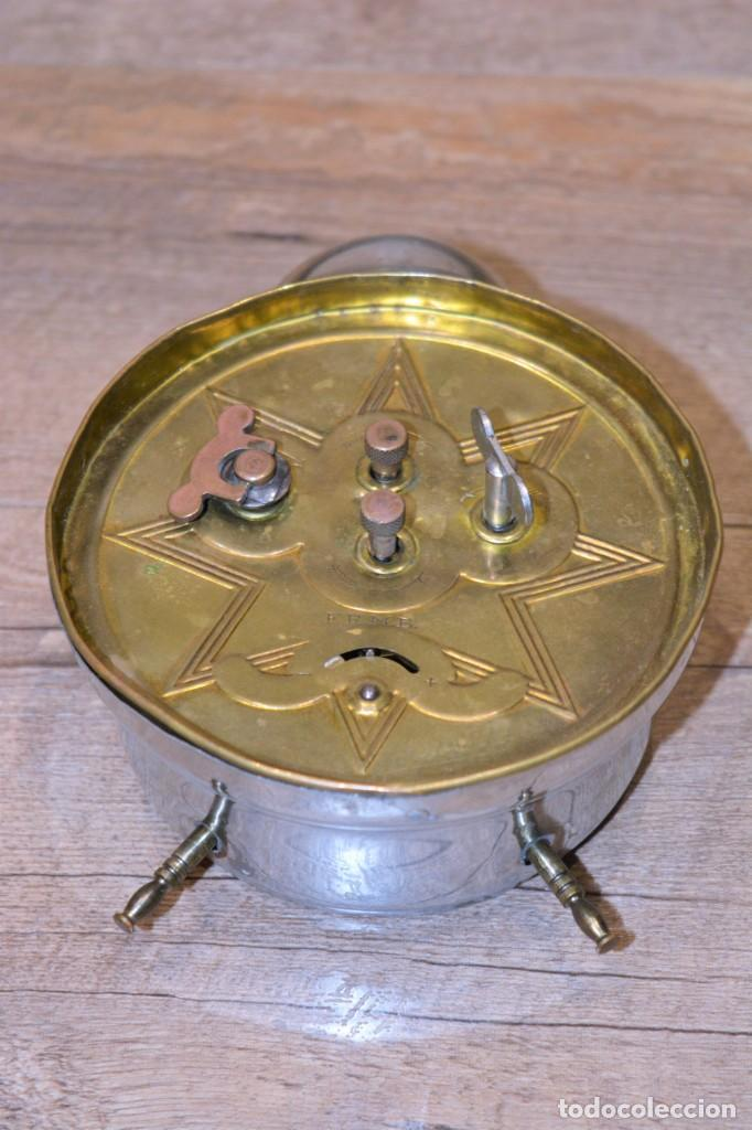 Relojes de carga manual: Despertador Sobremesa Antiguo, de marca FRMB Junghans A Cuerda Metálico - 3 Esferas y Campana - 20,s - Foto 5 - 195309067