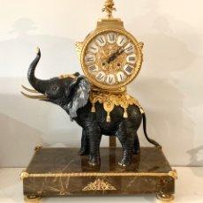Relojes de carga manual: RELOJ DE MESA DE BRONCE. Lote 195468577