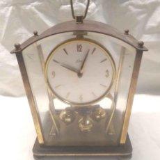 Relojes de carga manual: KERN RELOJ SOBREMESA ALEMAN AÑOS 60, COMPLETO. MED. 16 X 10 X 18 CM. Lote 195558993