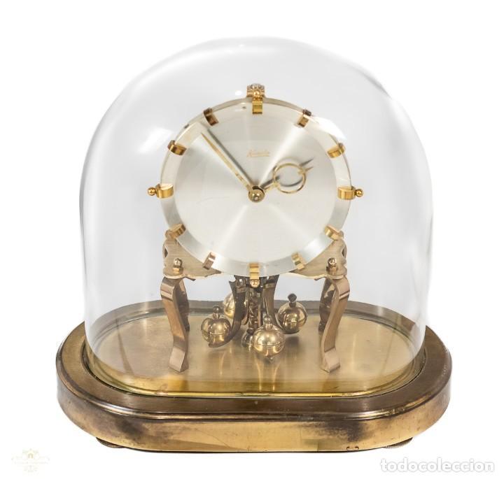 ANTIGUO RELOJ DE SOBREMESA DE LA MARCA KUNDO, DE CUERDA MANUAL DE ORIGEN ALEMÁN FUNCIONANDO (Relojes - Sobremesa Carga Manual)