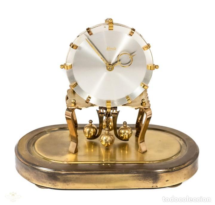 Relojes de carga manual: ANTIGUO RELOJ DE SOBREMESA DE LA MARCA KUNDO, DE CUERDA MANUAL DE ORIGEN ALEMÁN FUNCIONANDO - Foto 3 - 198331203