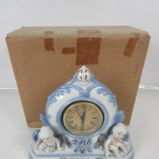 Relojes de carga manual: RELOJ DE SOBREMESA - PORCELANA POLICROMADA - CON CAJA - NUEVO A ESTRENAR. Lote 198877973