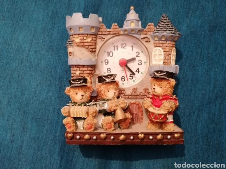 PEDIDO MÍNIMO 5€ RELOJ DE SOBREMESA CON OSOS MÚSICOS (Relojes - Sobremesa Carga Manual)