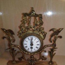 Relojes de carga manual: RELOJ SOBREMESA DE CUERDA VINTAGE FUNCIONANDO. Lote 199932322