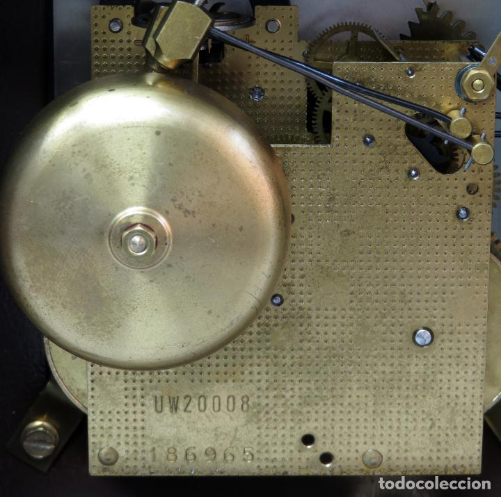 Relojes de carga manual: Reloj de sobremesa holandés Warmink con dos carriles y sonería en funcionamiento hacia 1950 - Foto 9 - 203158141