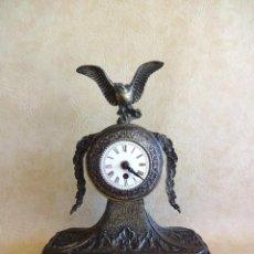Relojes de carga manual: ANTIGUO RELOJ DE SOBREMESA A CUERDA ALEMAN AGUILA. Lote 206484831