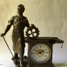 Relojes de carga manual: ANTIGUO RELOJ CON ALEGORIA DE LA INDUSTRIA , ORIGINAL DEL SIGLO 19 , FUNCIONANDO. Lote 206578860