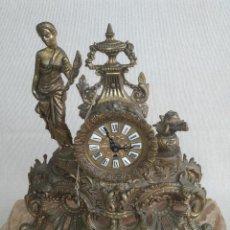 Relojes de carga manual: RELOJ DE BRONCE ANTIGUO Y 2 CANDELABROS, ALEMANIA. Lote 206934468