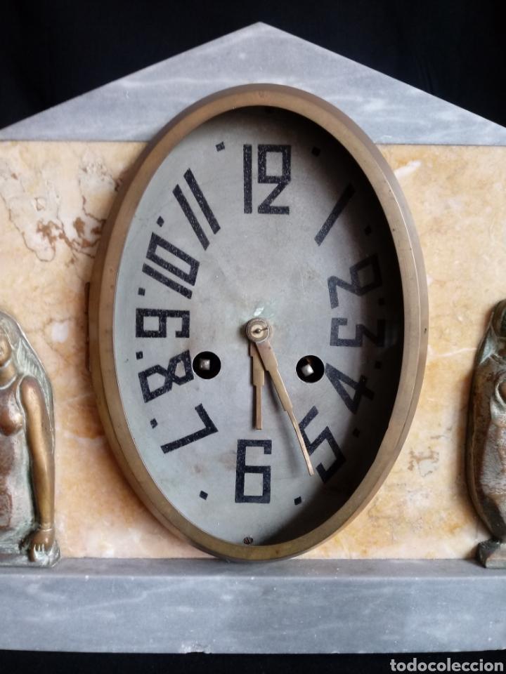 Relojes de carga manual: Reloj sobremesa Art Deco con mujeres en bañador. Maquinaria de París - Foto 2 - 207090662