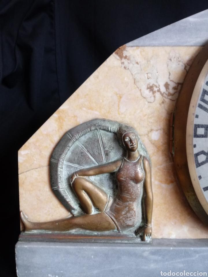 Relojes de carga manual: Reloj sobremesa Art Deco con mujeres en bañador. Maquinaria de París - Foto 4 - 207090662
