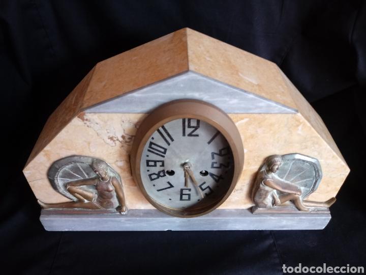 Relojes de carga manual: Reloj sobremesa Art Deco con mujeres en bañador. Maquinaria de París - Foto 5 - 207090662