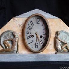 Relojes de carga manual: RELOJ SOBREMESA ART DECO CON MUJERES EN BAÑADOR. MAQUINARIA DE PARÍS. Lote 207090662