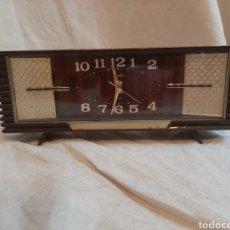 Relojes de carga manual: RELOJ SOBRE MESA SOBREMESA DESPIERTADOR RHYTHM JAPON FUNCIONA PERFECTAMENTE. Lote 207088511