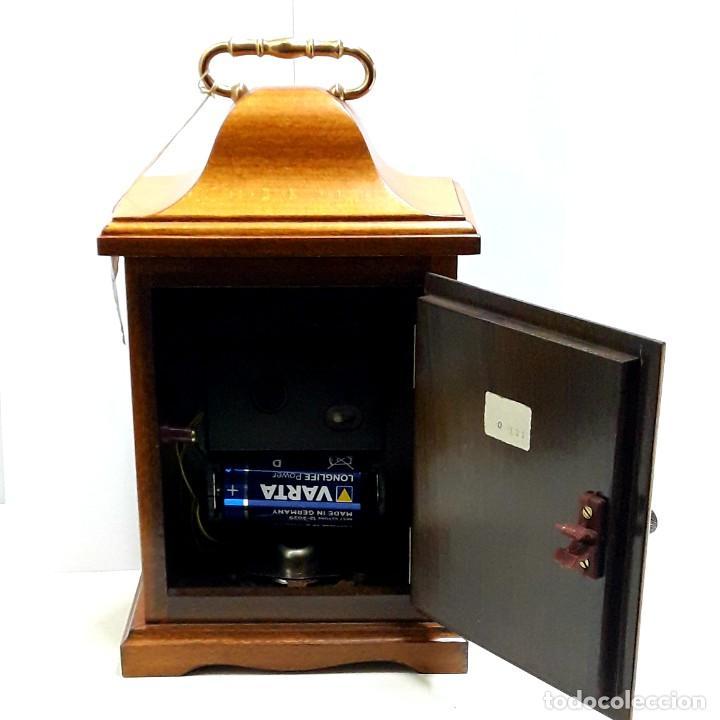Relojes de carga manual: RELOJ VINTAGE DE SOBREMESA LAFUENTE EN MADERA DE HAYA Y ADORNOS DE BRONCE DE CUARZO Y NUEVO - Foto 6 - 208035473