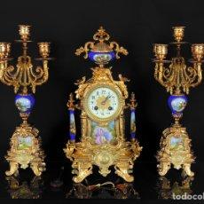Relojes de carga manual: ANTIGUO CONJUNTO FRANCÉS DE RELOJ Y CANDELABROS GEMELOS. Lote 208139687