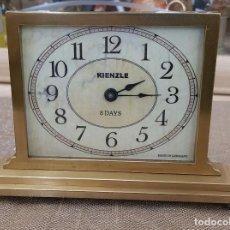 Relojes de carga manual: RELOJ MARCA KIENZLE ALEMAN DE SOBREMESA, TODO DE LATON. Lote 209775872