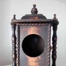 Relojes de carga manual: RELOJ DE SOBREMESA DE MADERA. Lote 210132913