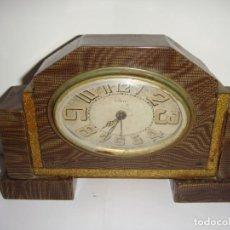 Relojes de carga manual: RELOJ DE SOBREMESA. CARTEL. FUNCIONA.. Lote 210550577
