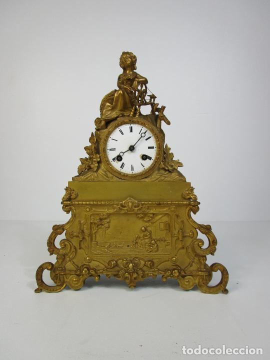 RELOJ DE SOBREMESA - ESTILO IMPERIO - BRONCE - HILADORA - COMPLETO - FUNCIONA - S.XIX (Relojes - Sobremesa Carga Manual)