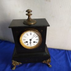 Relojes de carga manual: ANTIGUO RELOJ FRANCÉS MÁRMOL NEGRO DETALLES EN BRONCE SIGLO XIX. Lote 210842887