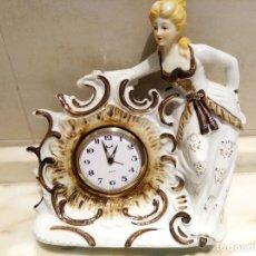 Relojes de carga manual: RELOJ DE SOBREMESA DE PORCELANA MECANICO. Lote 211479771