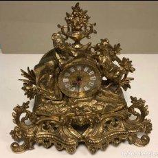 Relojes de carga manual: PRECIOSO RELOJ ANTIGUO DE SOBREMESA FUNCIONANDO, EN BRONCE (8'410 KGS).. Lote 212040471