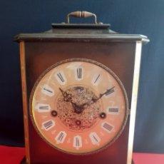 Relojes de carga manual: RELOJ SOBREMESA SARS CON SONERIA MAQUINARIA ALEMANA .MUY CUIDADO FUNCIONA PERFECTAMENTE CON LLAVES. Lote 213871928