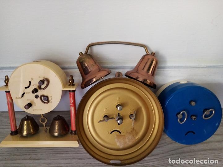 Relojes de carga manual: LOTE DE RELOJES DESPERTADORES DE SOBREMESA A CUERDA MICRO Y WEST GERMANY - Foto 4 - 216706282