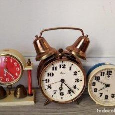 Relojes de carga manual: LOTE DE RELOJES DESPERTADORES DE SOBREMESA A CUERDA MICRO Y WEST GERMANY. Lote 216706282