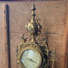 Relojes de carga manual: PRECIOSO RELOJ DE SOBREMESA EN BRONCE O LATON MUY DECORATIVO. Lote 216894356