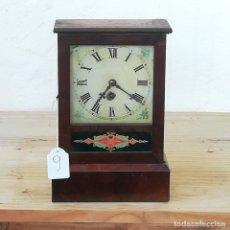 Relojes de carga manual: ANTIGUO RELOJ SOBREMESA O CHIMENEA / SOLO HORAS / FUNCIONA / CAJA MADERA. Lote 217664790