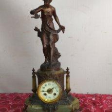 Relojes de carga manual: ESPECTACULAR RELOJ FRANCÉS LA PRISIONERA SIGLO XIX MÁRMOL Y ZAMAK. Lote 217748503