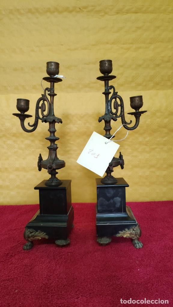 Relojes de carga manual: GUARNICIÓN DE RELOJ Y DOS CANDELABROS CUATRO LUCES SIGLO XIX, 6000-201 - Foto 4 - 43452509
