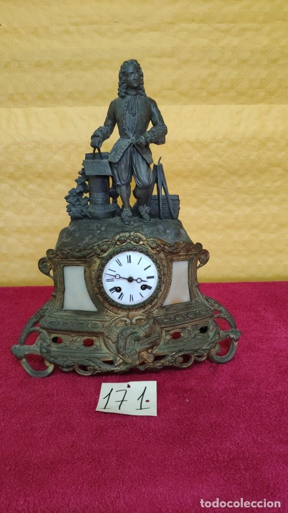 RELOJ DE SOBREMESA DE ESTILO FRANCÉS SIGLO XIX , 6000-171 (Relojes - Sobremesa Carga Manual)