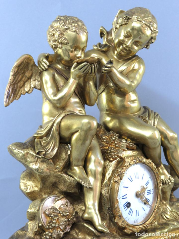 Relojes de carga manual: Reloj de sobremesa Napoleón III de cupidos en bronce dorado París porcelana Francia siglo XIX - Foto 10 - 218098693