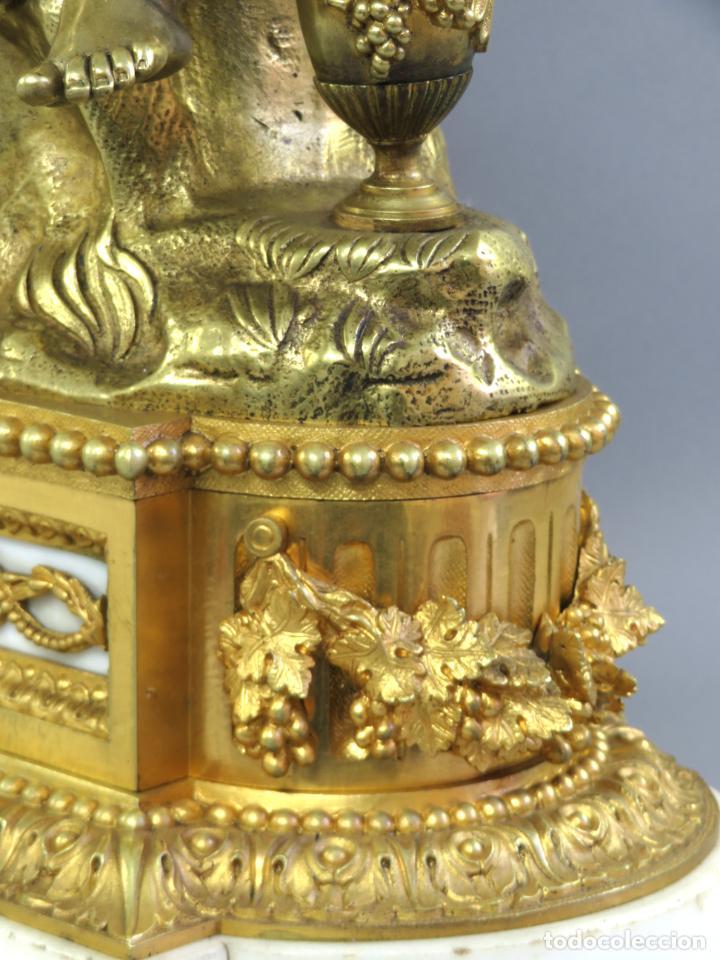 Relojes de carga manual: Reloj de sobremesa Napoleón III de cupidos en bronce dorado París porcelana Francia siglo XIX - Foto 29 - 218098693
