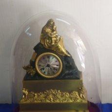 Relojes de carga manual: IMPORTANTE RELOJ PRIMER IMPERIO BRONCE AL MERCURIO ORO FINO ORMOLU CON CÚPULA Y PEANA. Lote 218644912