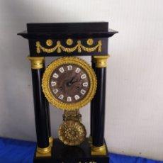 Relojes de carga manual: MAGNÍFICO RELOJ ANTIGUO PÓRTICO GOLIAT MADERA Y BRONCE AL MERCURIO ORO FINO ORMOLU. Lote 218645505