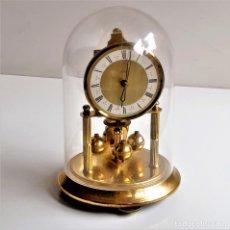 Relógios de carga manual: RELOJ ALEMAN MECANICO 18.CM ALTO CUPULA METACRILATO 10.CM DIAMTRO FUNCIONA PERFECTAMENTE - SIN LLAVE. Lote 220647392