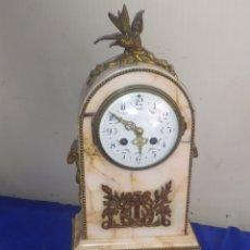 Relojes de carga manual: IMPRESIONANTE RELOJ FRANCÉS CARLOS X MÁRMOL VETEADO Y DETALLES EN BRONCE SIGLO XIX. Lote 220954425