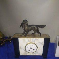 Relojes de carga manual: ESPECTACULAR RELOJ FRANCÉS MÁRMOL Y PERRO DE ZAMAK MAQUINARIA PARÍS. Lote 220954560