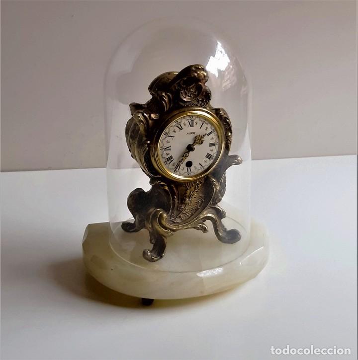 Relojes de carga manual: RELOJ BRONCE MECANICO 21.CM ALTO CUPULA METACRILATO 11.CM DIAMTRO Y BASE DE MARMOL - SIN LLAVE - Foto 2 - 221509568