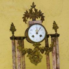 Relojes de carga manual: IMPRESIONANTE RELOJ PÓRTICO DE 6 COLUMNAS MUY RARO MÁRMOL Y DETALLES EN BRONCE SIGLO XIX. Lote 222168302