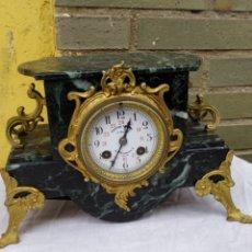 Relógios de carga manual: PRECIOSO RELOJ FRANCÉS MÁRMOL Y BRONCE ESFERA FIRMADA SIGLO XIX. Lote 222170348