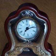 Relojes de carga manual: RELOJ DE PÉNDULO DE PLATA Y MADERA DE LA FIRMA ITALIANA ITS. SIN ESTRENAR. Lote 222234337