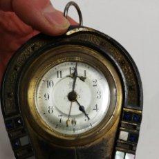 Horloges à remontage manuel: RELOJ PEQUEÑO CON FORMA DE HERRADURA.. Lote 222434027