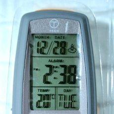 Relojes de carga manual: TUMI T-TECH RELOJ DIGITAL LINTERNA , NUEVO CON CAJA, DIGITAL FLASHLIGHT CLOCK. Lote 223005145