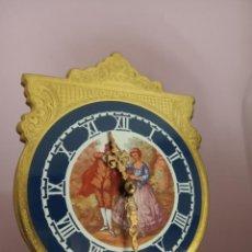 Relojes de carga manual: ANTIGUO MINI RELOJ 400 DÍAS. A FALTA DE COLOCAR EL PELO QUE SUMINISTRO. Lote 223699962