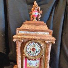 Relojes de carga manual: RELOJ DE SOBREMESA BRONCE AL COBRE Y PORCELANA ESTILO SEVRES. Lote 228492060