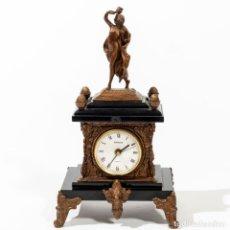 Relojes de carga manual: RELOJ DE MESA KIENZLE EN RESINAS Y DORADO. LA ESFERA KIENZLE Y ES MODERNA A PILAS.. Lote 232387900